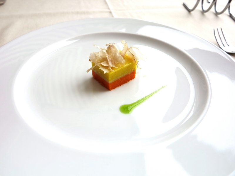 enrico zanirato 34 primavere chef patron del tajut una casa cantonale depoca con vineria e cucina sita nella prossima periferia di torino