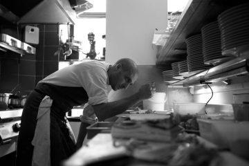 """""""Lo Spirito del Tempo"""": Ravioli di potimarron, ricci, brodo di zucca butternut e olio di Tagete 1"""