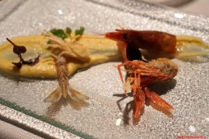 Crema di ceci, gamberi crudi e teste fritte, Cucina Bacilieri, Ferrara