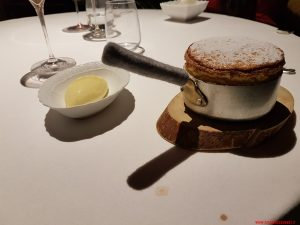 Soufflé al frutto della passione con gelato alla vaniglia, Riccardo Camanini, Lido84