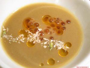 Crema di melanzane, uova di salmone, olio al peperone grigliato e gelsomino, Porticciolo 84, Lecco
