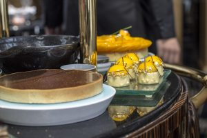Dolci al carello, Macau, Robuchon au Dome, Julien Tongiurian