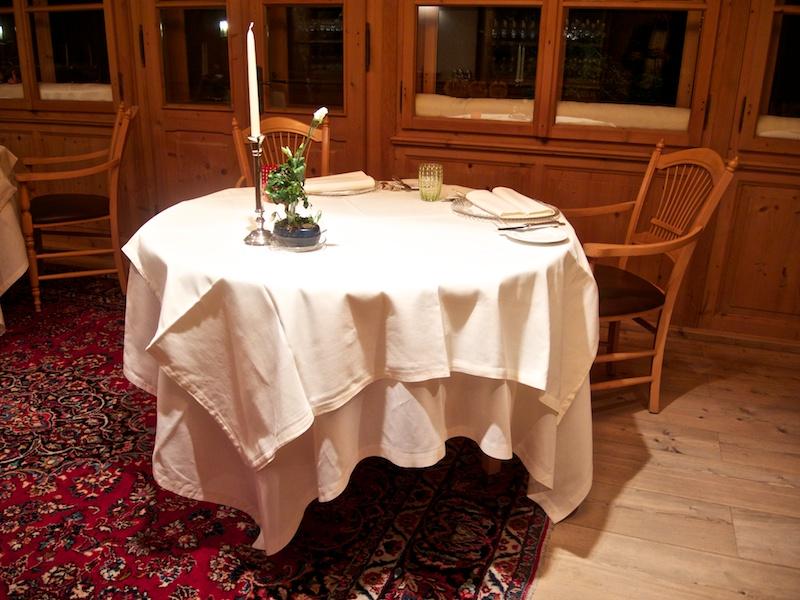 sale del ristorante, Schöneck, Chef Karl Baumgartner, Falzes, Bolzano