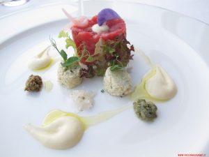 Cagliata d'uovo ripiena di erbe e tartara di fassone, Mistral, Bellagio