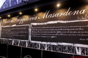 La parete della sala, Masardona, Napoli