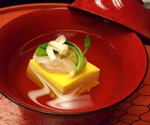 Capasanta, tofu all'uovo. Kichisen. Kyoto
