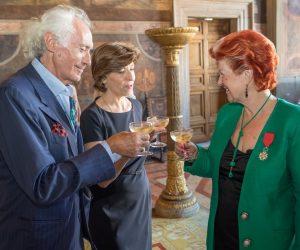 Légion d'Honneur francese ad Annie Fèolde dell'Enoteca Pinchiorri