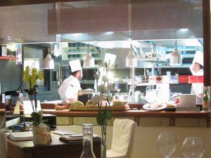 Cucina a vista, Taverna Estia.