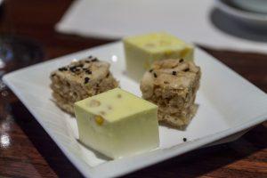 Pudding al cocco e albume fritto, Lung King Heen, Chan Yan Tak, Hong Kong, Cina