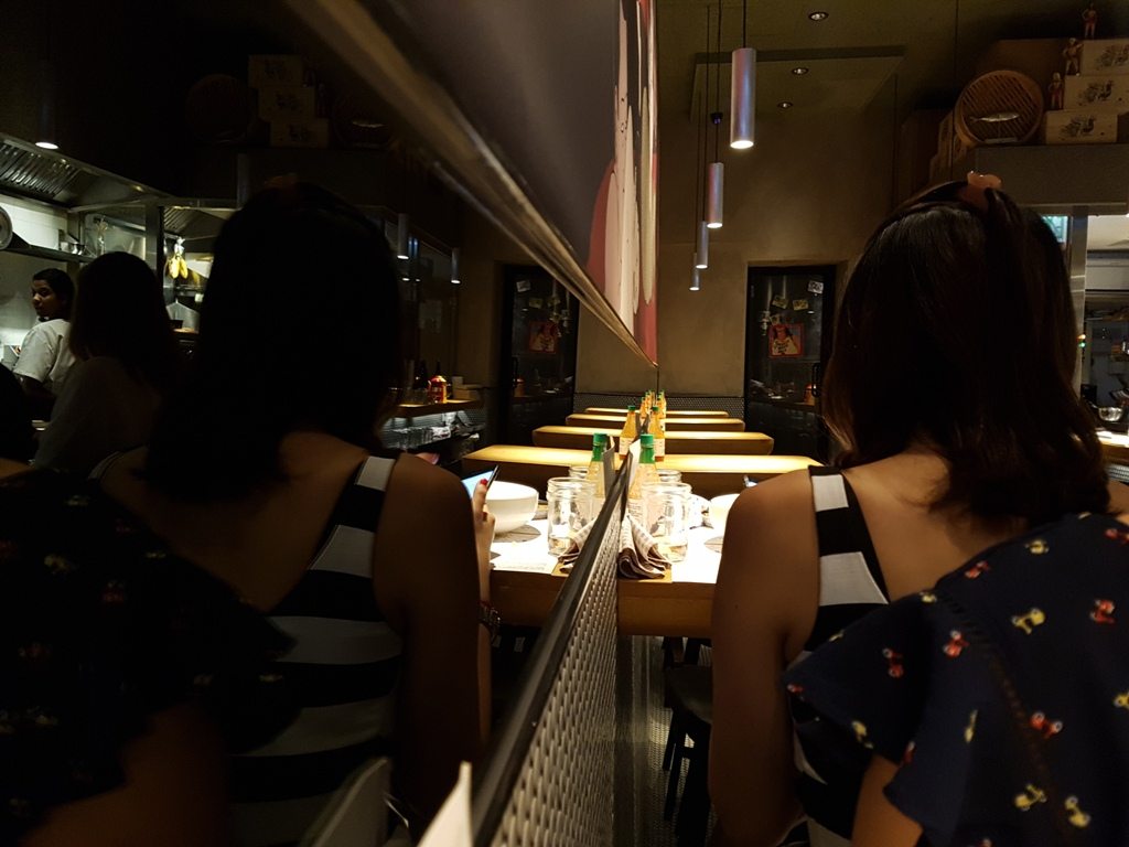 Sedute, Okra, Max Levy, Hong Kong, Cina
