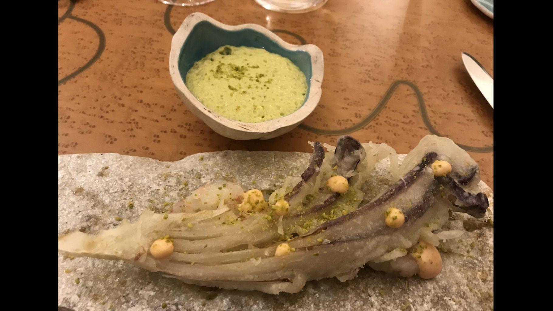Amistà 33, Tardivo croccante, pistacchio e scampi