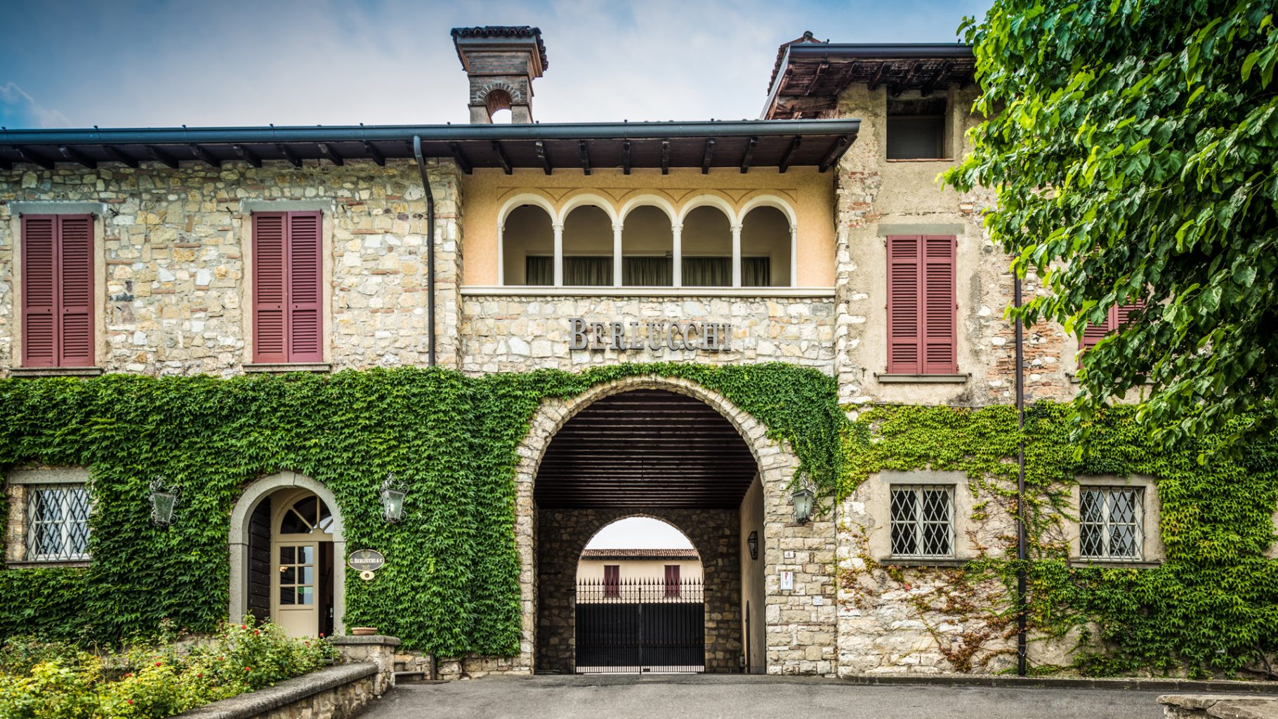 Berlucchi, Palazzo Lana