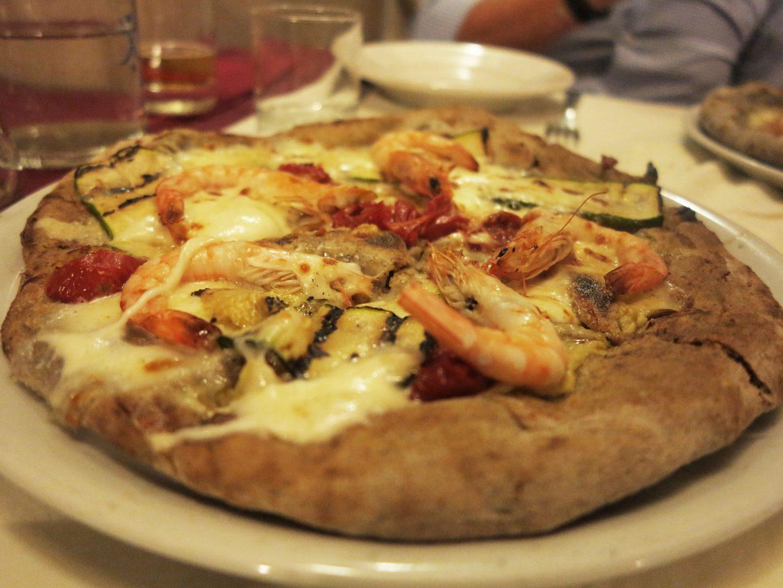 Impasto alla canapa, crema di carciofi, gamberi, zucchine e pomodori soleggiati, Dal Penga, Pizza, Lecce, Puglia