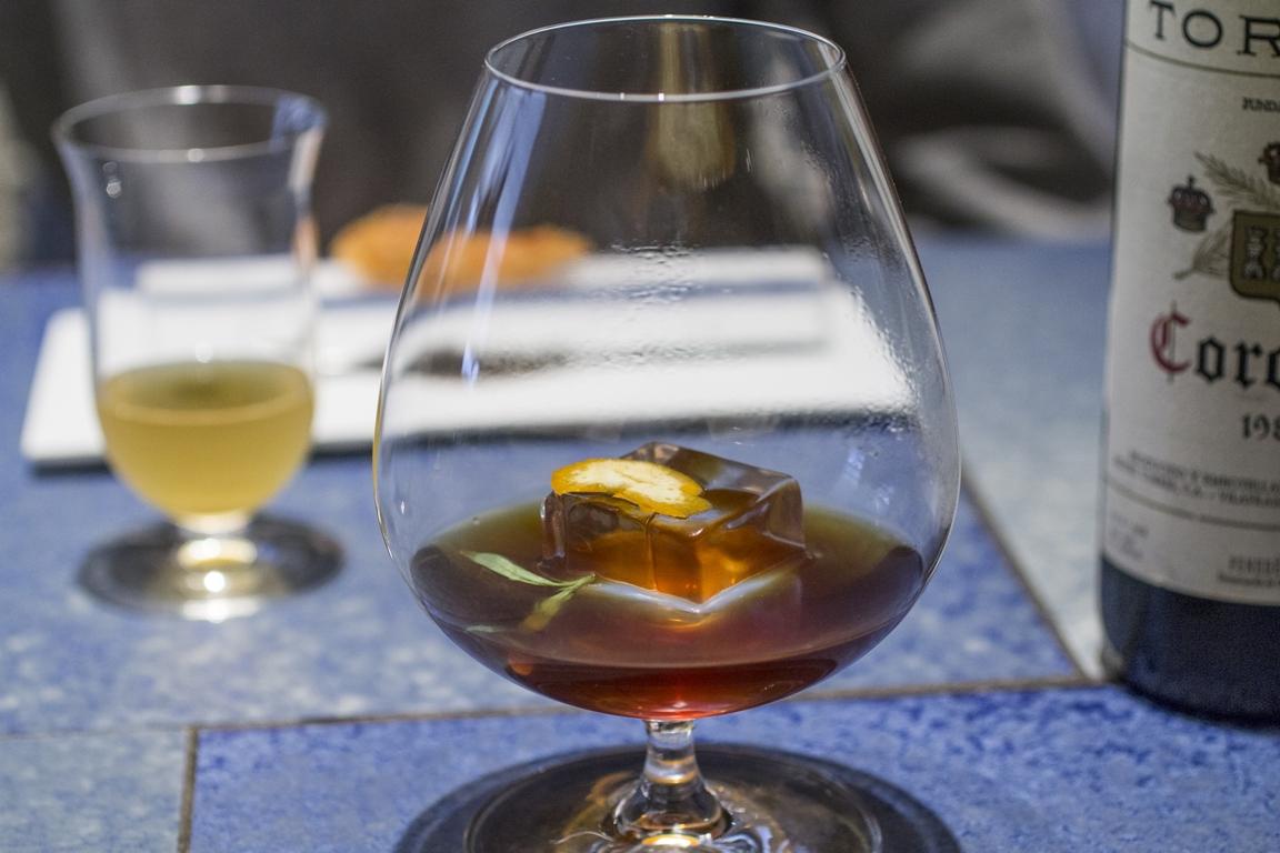 Consommè di lepre e armagnac, Disfrutar, due stelle michelin, Barcellona, Spagna
