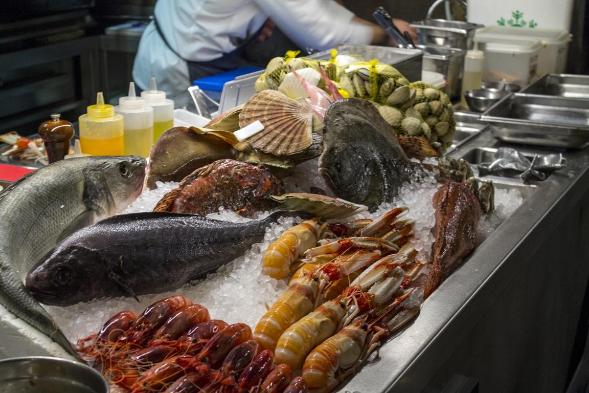 Bancone del pesce, Estimar, Rafa Zafra, Barcellona, Spagna