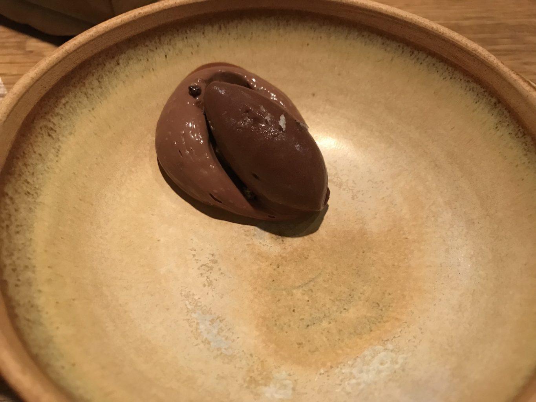 Dessert, Cioccolato e crema di cioccolata fermentata, Pakta, Jorge Muñoz, Albert Adrià, Barcellona, Spagna, Michelin