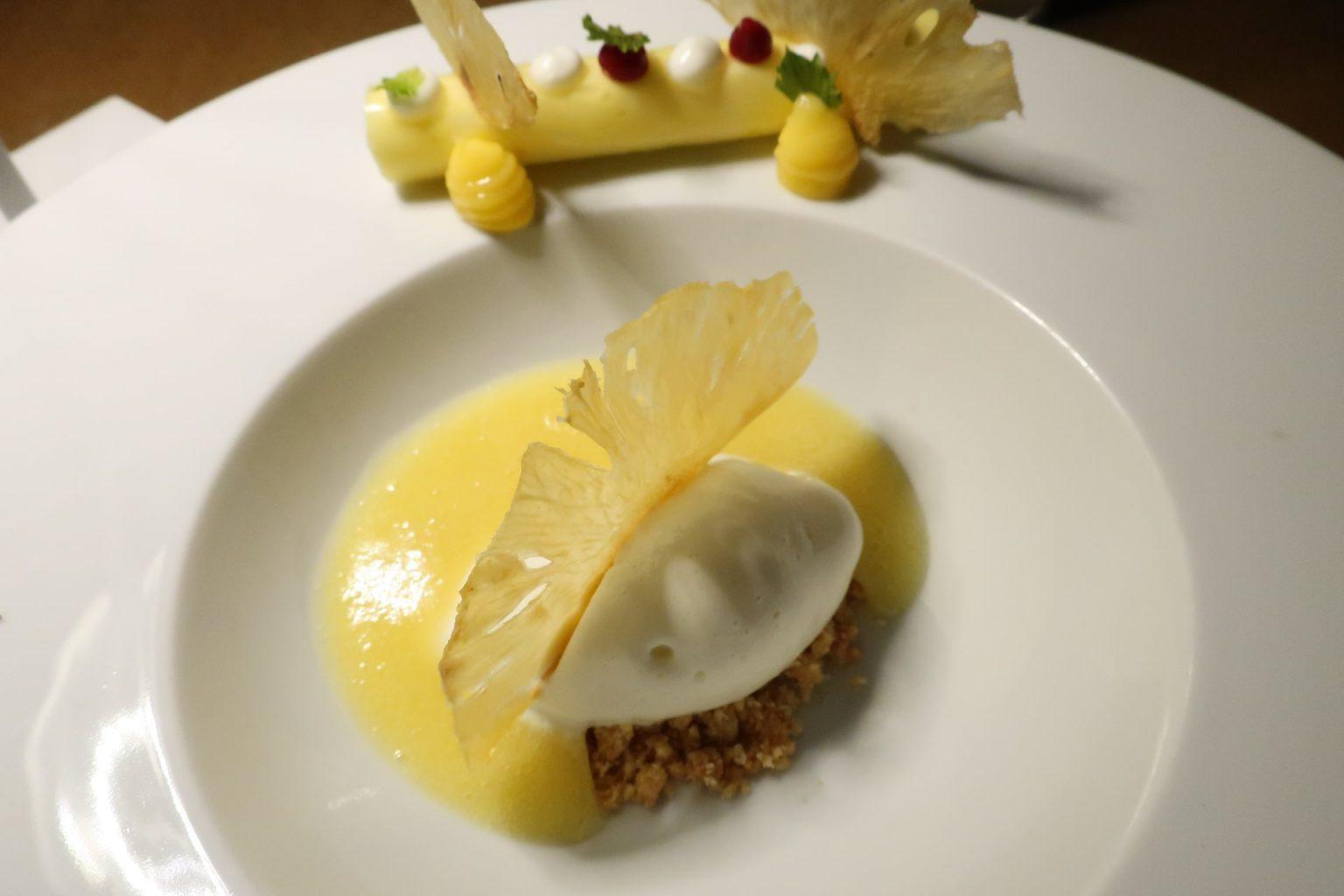 Ananas e maraschino, Caracol.