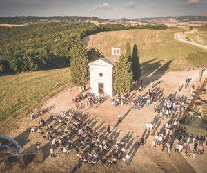 Vitaleta: il restauro dell'iconica Cappella in Val D'Orcia